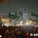 朴槿恵(パク・クネ)大統領の辞任を求めて100万人規模の抗議集会