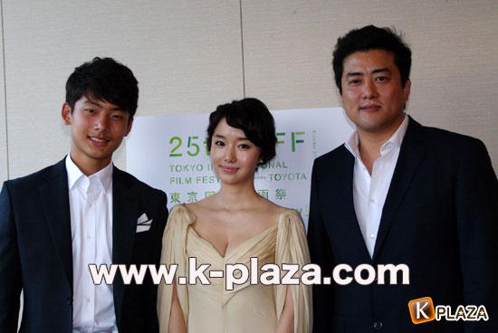 イ・ジョンヒョン東京国際映画祭「未熟な犯罪者」の合同インタビュー写真1