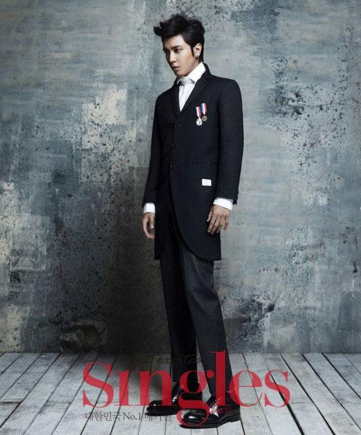 韓国雑誌「Singles」12月号CNBLUEチョン・ヨンファのグラビア写真2