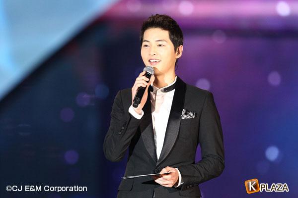 2012MAMA_1stshow_songjoonggi-(2)
