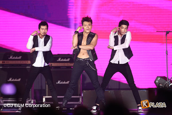 2012MAMA_2ndshow_JYP&Wooyoung-(15)