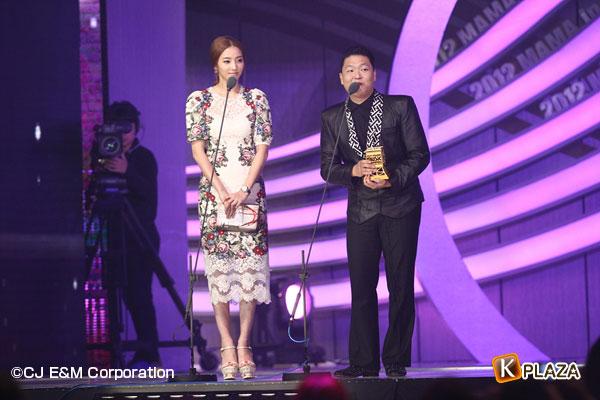 2012MAMA_3rdshow_Hanchaeyoung&PSY