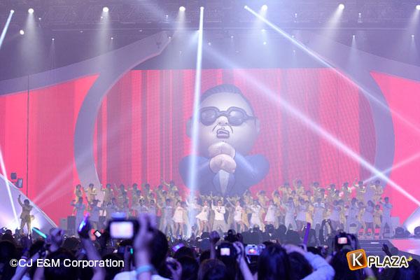2012MAMA_4thshow_PSY-(4)