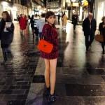 2NE1ボム、ロンドンの街でスラリと伸びた脚線美をチラリ!