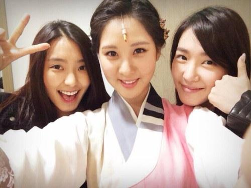 少女時代ティファニー&ソヒョン&SISTARボラの写真