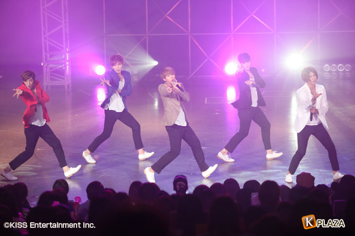 U-KISS夜公演オフィシャル写真2