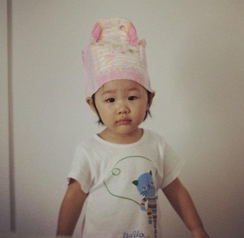 オム・テウンの娘の写真