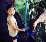 TABLOの愛娘ハルちゃん、大好きな動物たちとの日常ショット公開!