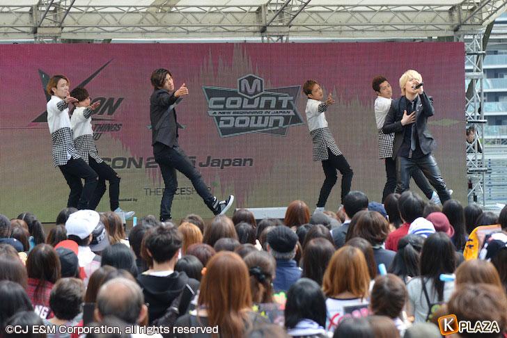 KCON-2015-Japanコンベンション_CODE-V-(2)