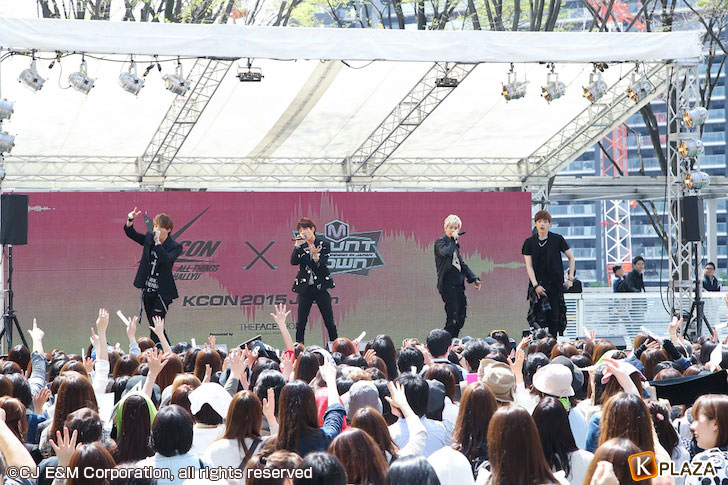 KCON-2015-Japanコンベンション_HIGH4-(2)