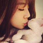 少女時代サニー、愛猫「ソグム」とキスをするキュートな姿を公開!サニーの猫になりたい男子急上昇?!