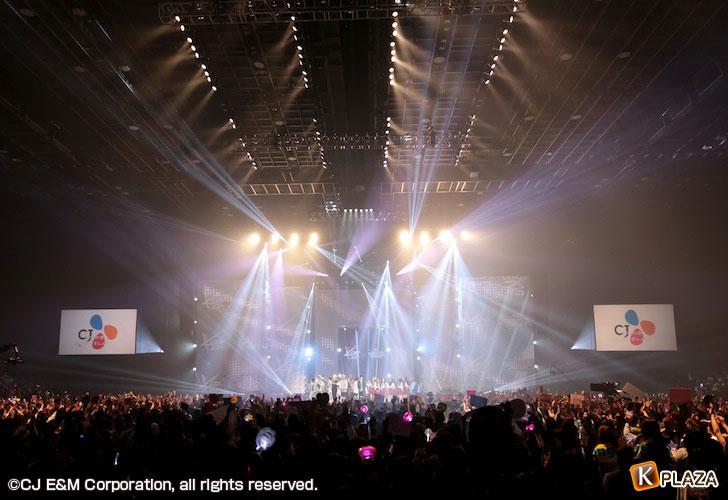 KCON-2015-Japan×M-COUNTDOWN_全景-(1)