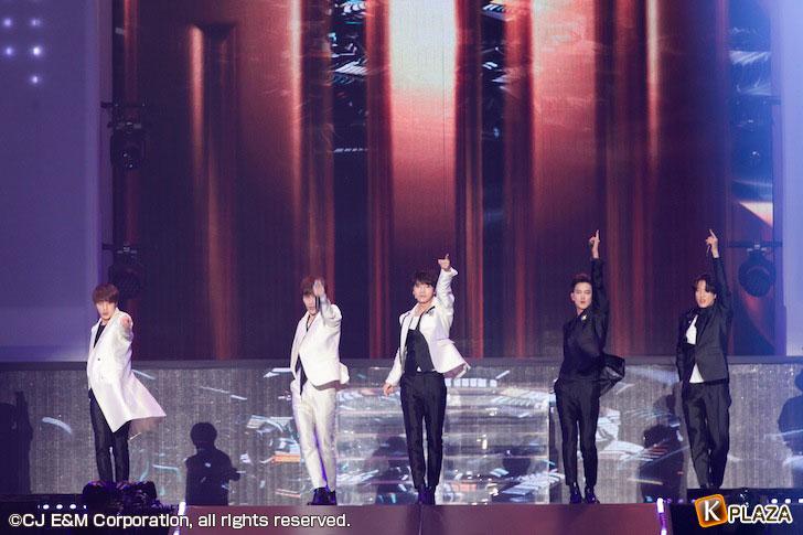 KCON-2015-Japan×M-COUNTDOWN_超新星-(2)