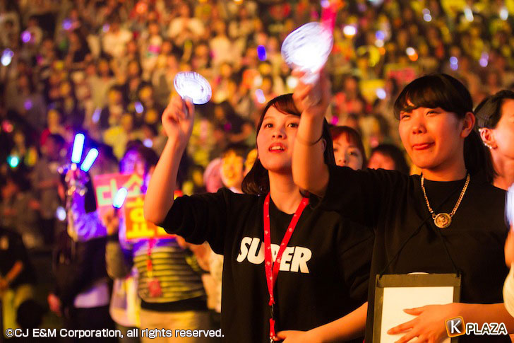 KCON-2015-Japan×M-COUNTDOWN_Fans-(1)