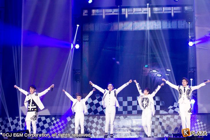 KCON-2015-Japan×M-COUNTDOWN_BIGFLO-(2)