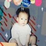 VIXXエン、誕生日を迎え幼少期のキュートな写真を公開!