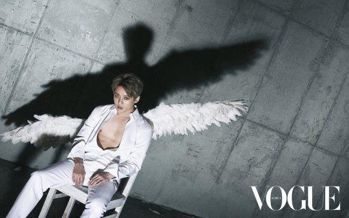 「VOGUE』JYJジュンスの写真