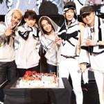 "BIGBANGに続く第2のボーイズグループ""WINNER""自身初のホールツアー開幕!デビュー1周年サプライズにメンバー号泣!?"