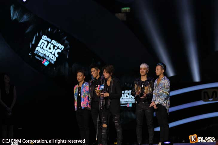 BIGBANG-(1)