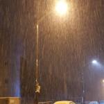 韓国の夜の雪景色