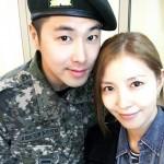 BoA、入隊中の東方神起ユンホとのツーショット写真を公開!「面会に初めて行った」