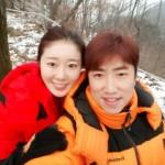 公開恋愛中のチャン・ドンミン&NAVI、登山デートの様子を公開!