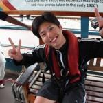 パク・ボゴム、111mバンジージャンプ挑戦直前に思いっきりの満面の笑み&Wピース!