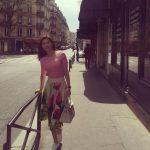 パク・スジン、春の雰囲気漂うパリの街角ショット公開!