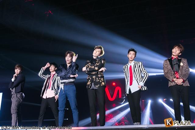KCON 2016 Japan_BOYFRIEND (7)-057