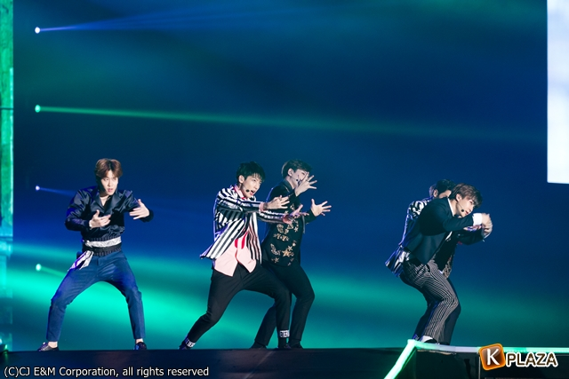 KCON 2016 Japan_BOYFRIEND (9)-059