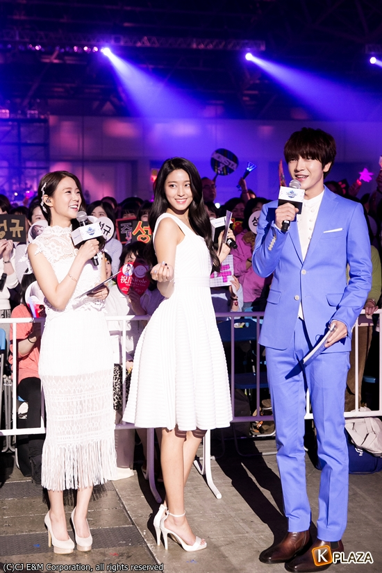KCON 2016 Japan_MC 0409 (3)-002