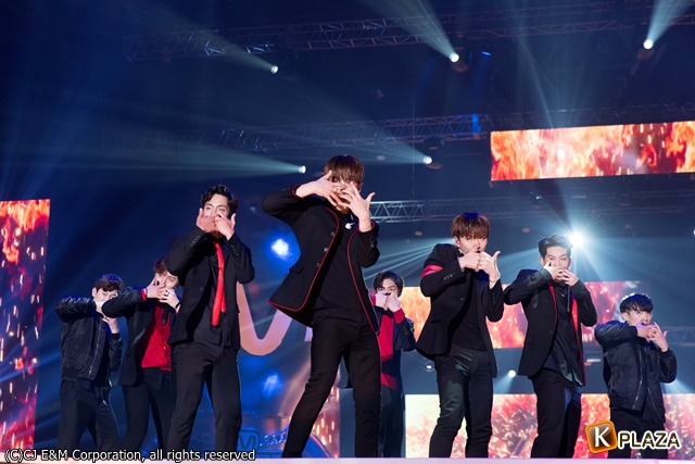 KCON 2016 Japan_MONSTA X (1)-012