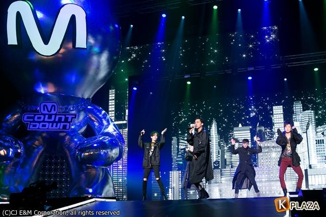 KCON 2016 Japan_WINNER (4)-025