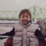 可愛い!俳優ヨ・ジング、キュートな子供の頃の写真を公開、小さい時からイケメン!