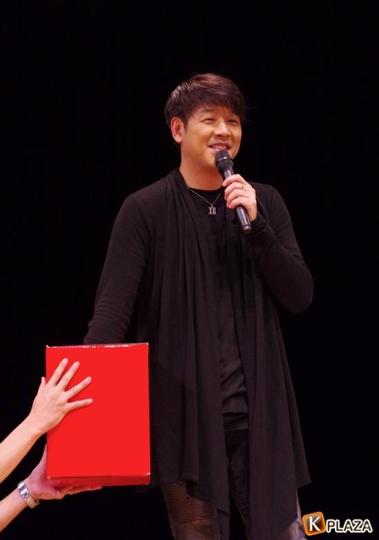 リュ・シウォン-5