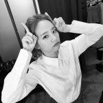 Girl's Dayヘリ、キュートなポーズのモノクロ写真を公開!
