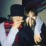 くっつきすぎの声も?!CL、BIGBANG  G-DRAGONと肩を組んだ深い友情ショットを公開