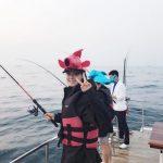 AOAソリョン、魚の帽子かぶったキュートな釣りショットを公開!ジミンと済州島旅行