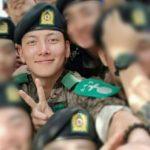 チ・チャンウクの軍隊生活の近況が伝えられる 軍同期の仲間と明るい笑顔で