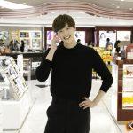 イメージモデルに韓流スターたちが勢ぞろい! 俳優イ・ジョンソク、ロッテ免税店銀座店をサプライズ訪問
