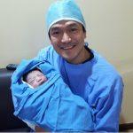 イ・ジフンに第2子となる男子誕生で生まれたばかりの我が子との認証ショットを公開