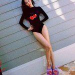 ソンミ、水着グラビア写真をSNSで公開!挑発的な魅力と脚線美で話題に