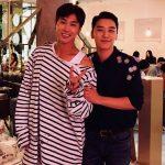ソロアルバムリリースのBIGBANG V.I(スンリ)、故郷光州の先輩ユンホとのツーショット写真公開