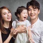 ハン・ヘジン&キ・ソンヨン選手、愛娘シオンちゃんとの幸せな家族写真を公開!