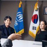 """""""UNHCR親善大使""""チョン・ウソン、ソウル訪問のアンジェリーナ・ジョリーと難民問題を意見交換"""