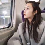 カン・ソラ、一人電車旅行の様子をSNSで公開!清純美溢れる姿が話題に