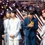 防弾少年団、「2018 MAMA」の最高の1分の視聴率主人公に!大賞受賞の感想を伝えた瞬間