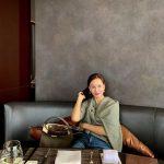 女優コ・ソヨン、レストランでのワンショットを公開!エレガンスな雰囲気で話題