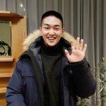 """""""本日入隊""""SHINeeオンユ、入隊前の断髪写真を公開!「時々思い出したら、また私の声を聞いてほしい」"""