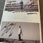 ユン・ジョンシン、東方神起ユンホからプレゼントされたサイン入りアルバム認証ショットを公開